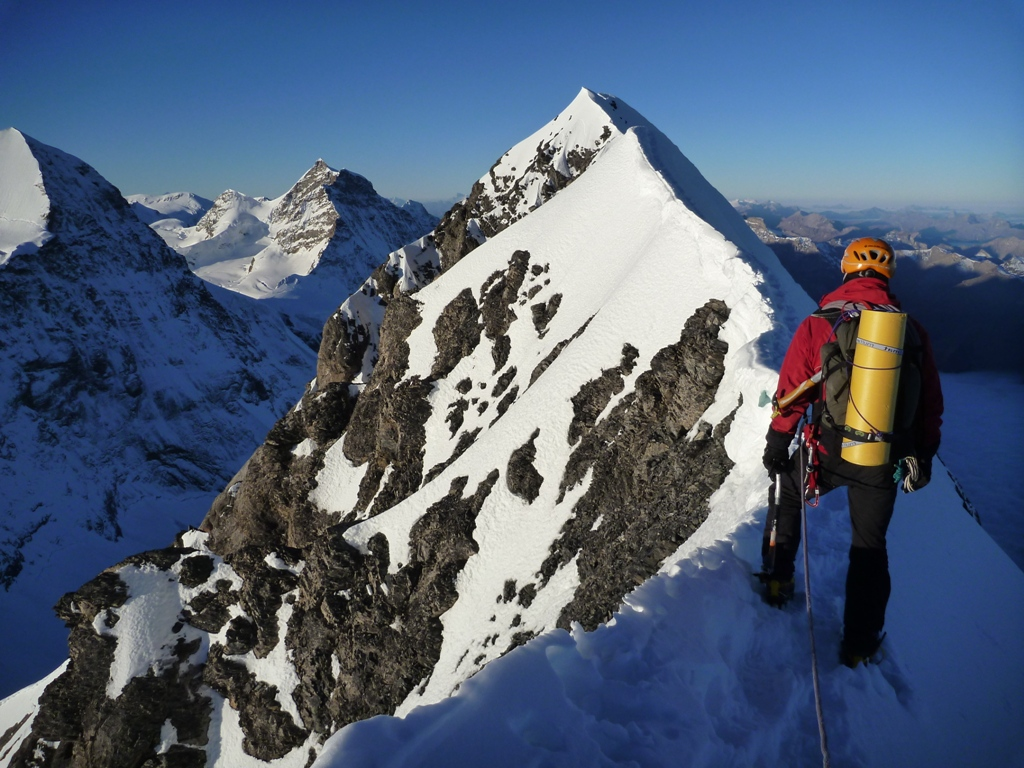 Climb the eiger 3970m high mountain guides climb the eiger 3970m reheart Images