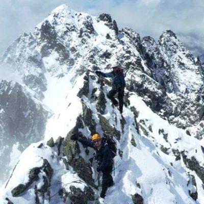 Aiguilles Crochues (2840m) Traverse