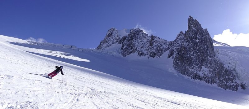 Off Piste Skiing In The Vallee Blanche Chamonix