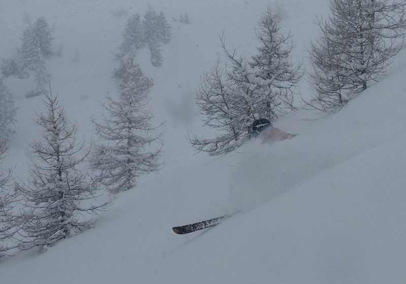 Powder skiing off piste guide at Pila, Aosta