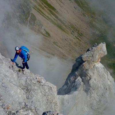 Pointe Percée (2752m) Arete du Doigt, D, 5c+, 6c/A0)