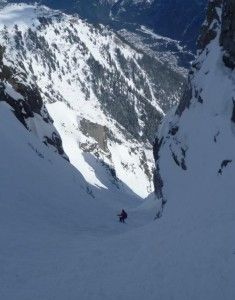 Fine Snow and Shady Conditions In The Ensa Couloir