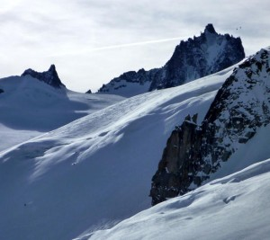 Good steep skiing off the Gros Rognon Vallee Blanche