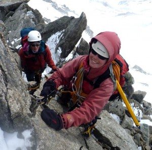 Placing a Cam Runner Whilst Moving Together on an Alpine PD Ridge Traverse
