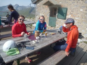 Tea & cakes back at the Refuge Gramusset / Pointe Percee Hut