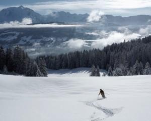 Beautiful mid winter snow & fresh tracks above Megveve