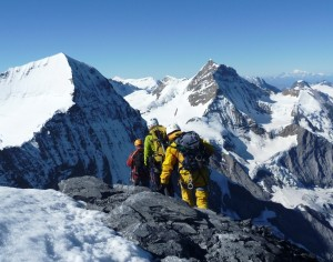 Leaving-the-Eiger-Summit-to-Start-the-South-Ridge-Descent